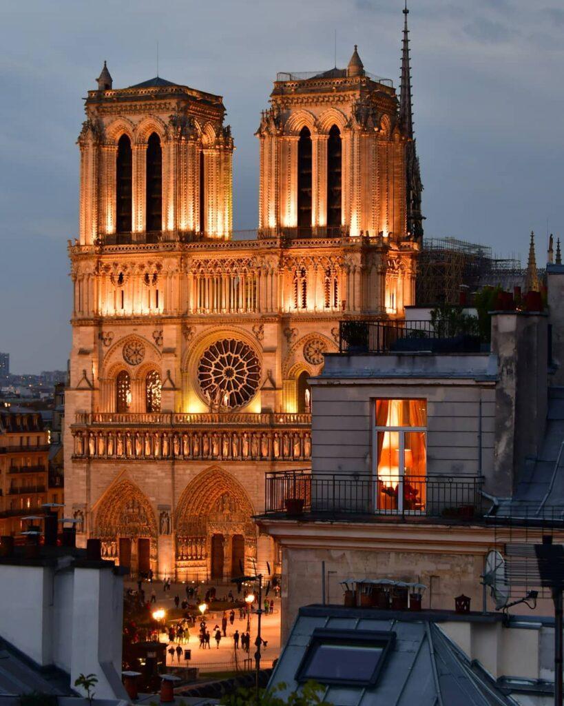 Cathédrale Notre Dame de nuit